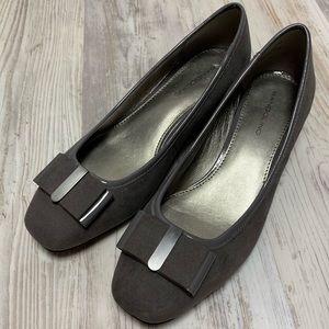 Bandolino Gray Suede Heels 8 M